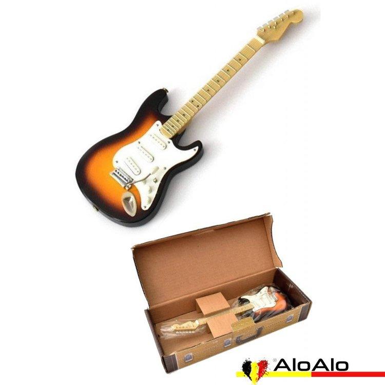 Decorative electric guitar miniature «Stratocaster» marrón