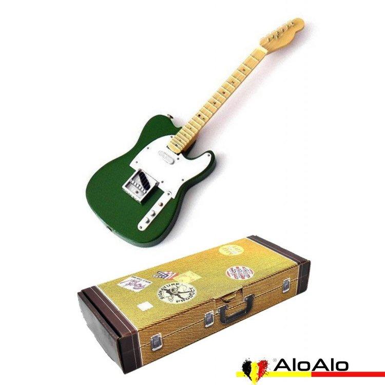 Decorative electric guitar miniature «Stratocaster» green