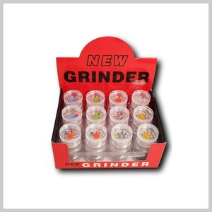 Display grinders plastiek met dobbelstenen.